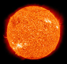 220px-The_Sun_by_the_Atmospheric_Imaging_Assembly_of_NASA's_Solar_Dynamics_Observatory_-_20100819